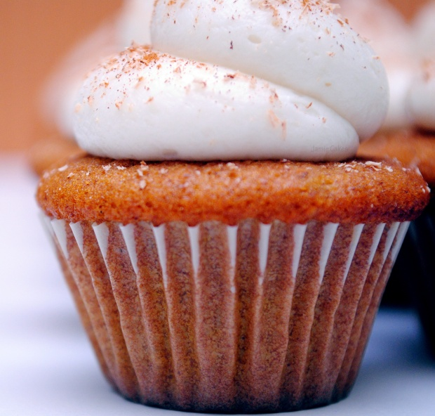 Mini Pumpkin Cupcakes With Maple–Cream Cheese Frosting